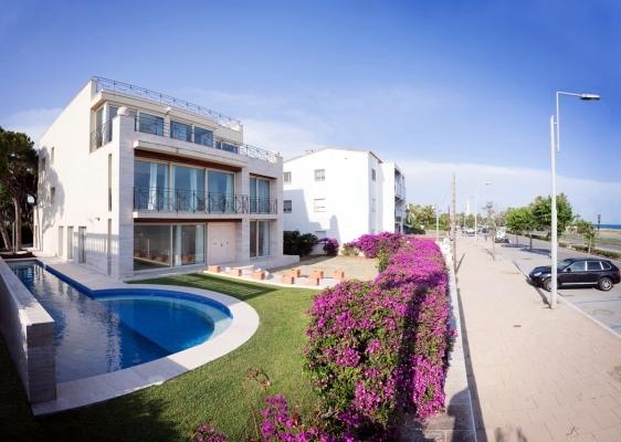 Vil·la de luxe a primera línia de mar Barcelona