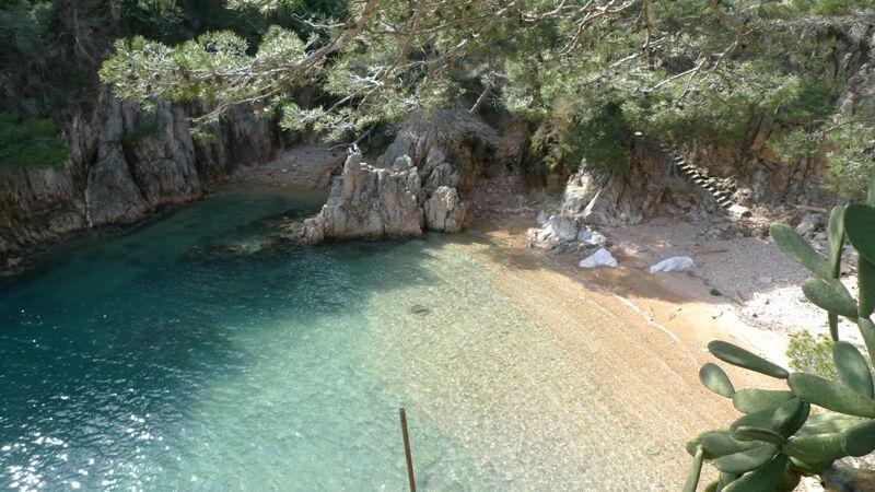 Aigua Gelida beach
